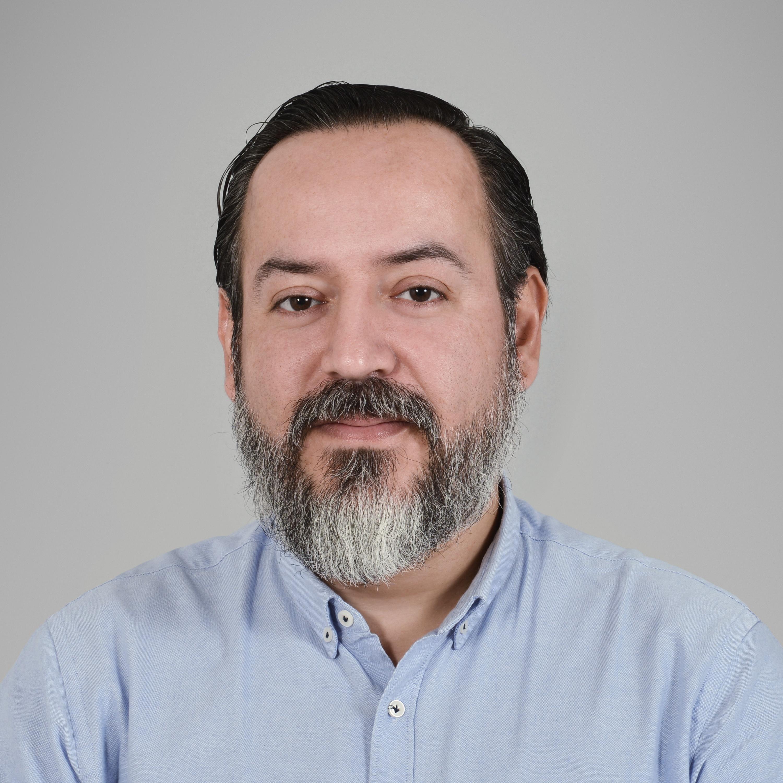 JAVIER MORALES, MÉD.